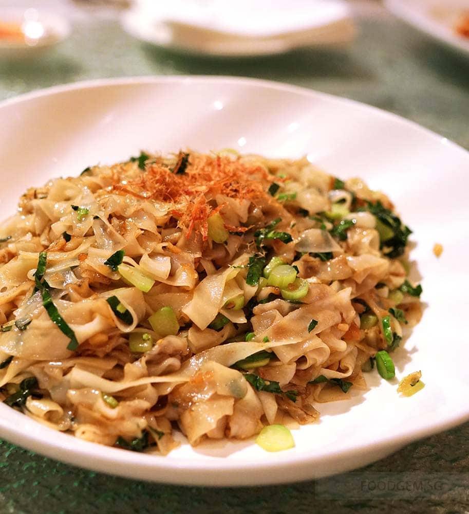 chui-huay-lim-teochew-cuisine-wok-fried-kuey-teow