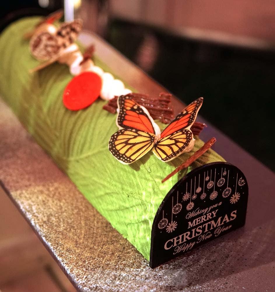 holiday-inn-singapore-orchard-dessert-matcha-sesame-yule-log