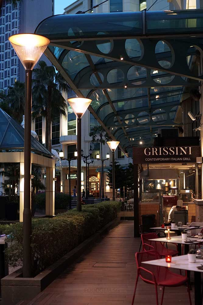 grand-copthorne-waterfront-hotel-alfresco-dining-01