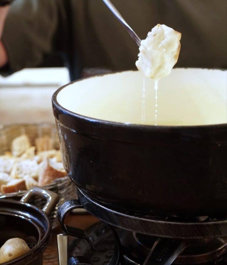 coucou-cheese-fondue-dip