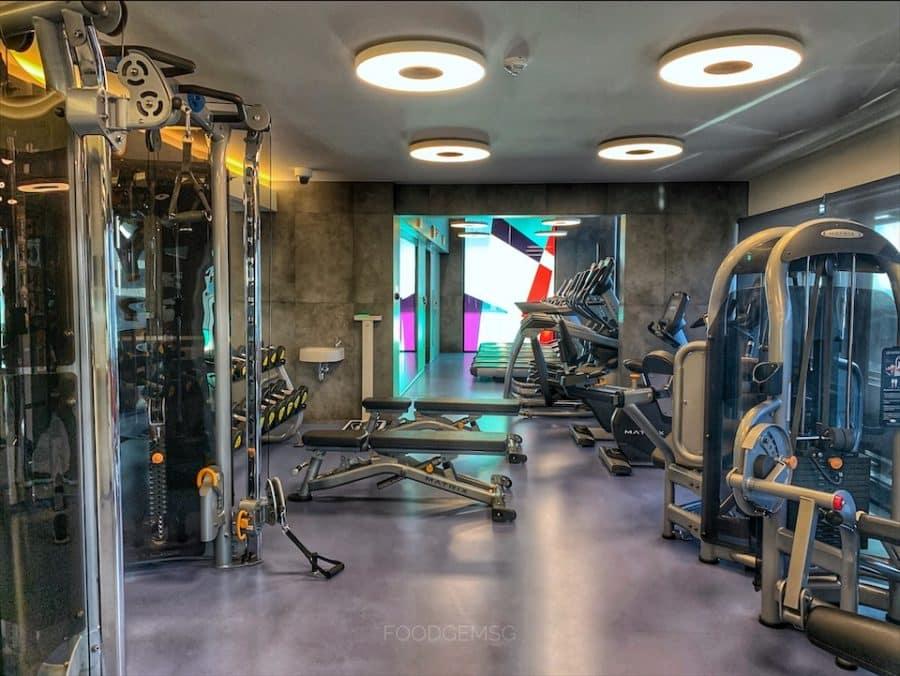 hotel-renaissance-warsaw-airport-gym