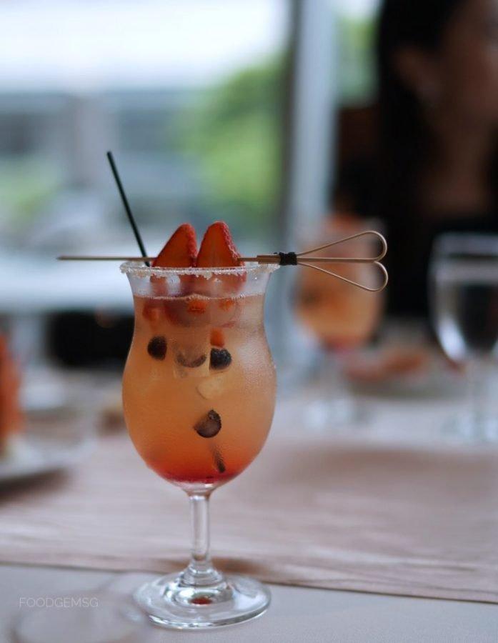 lawrys-2021-valentines-day-menu-cocktail